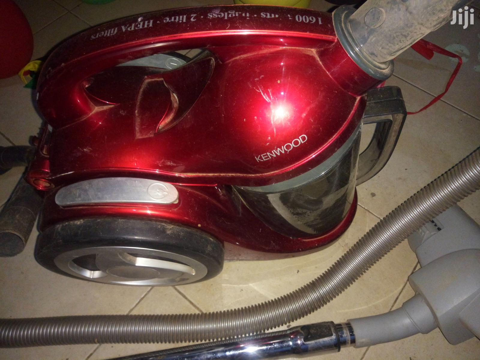 Archive: Kenwod Bagless Cylinder Vacuum Cleaner Good Suction Power