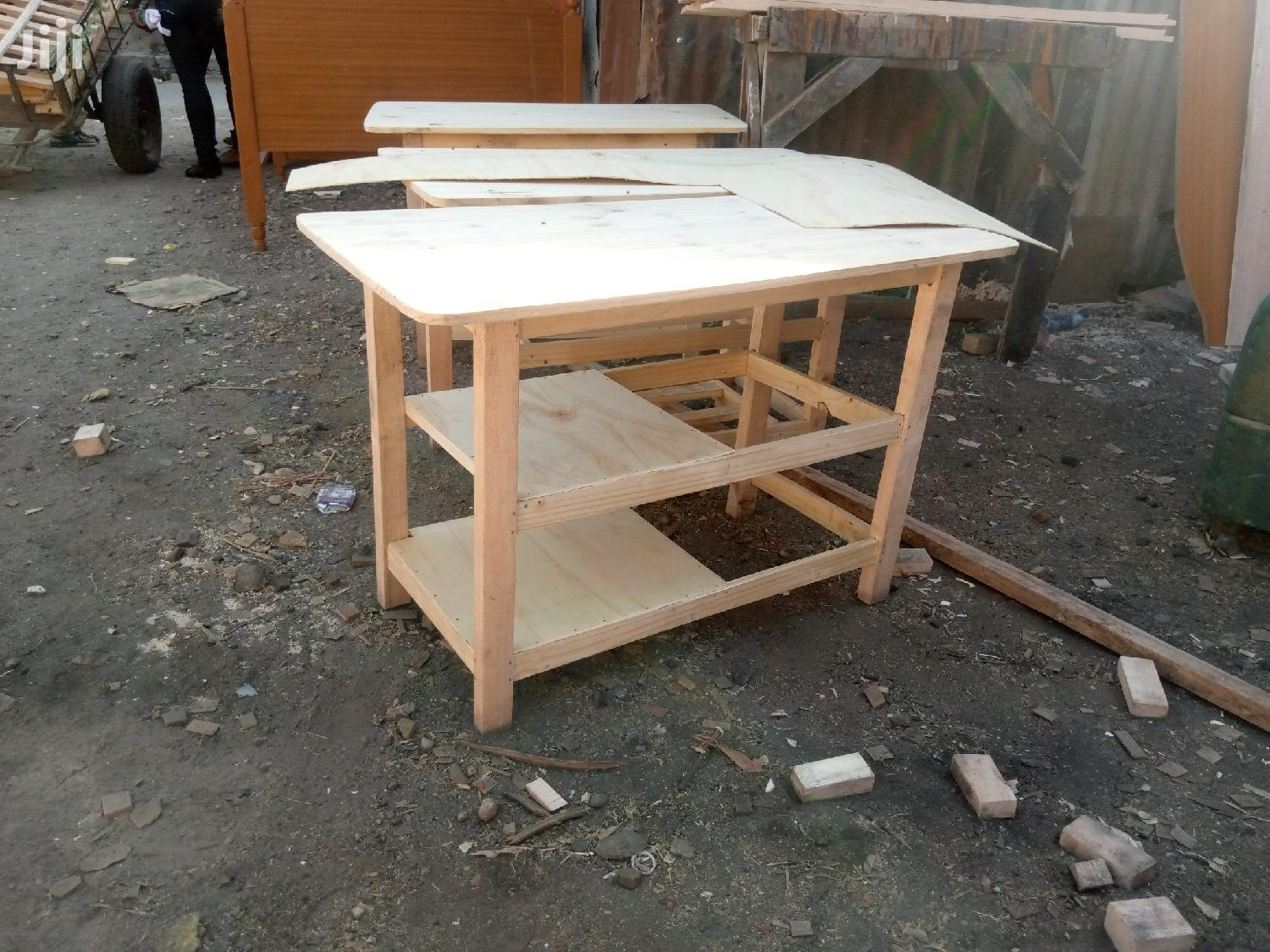 Tom Simple Kitchen Tables