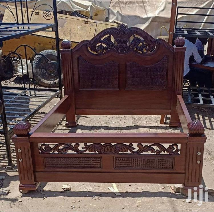 5x6 Bed Made of Pure Mahogany Wood.