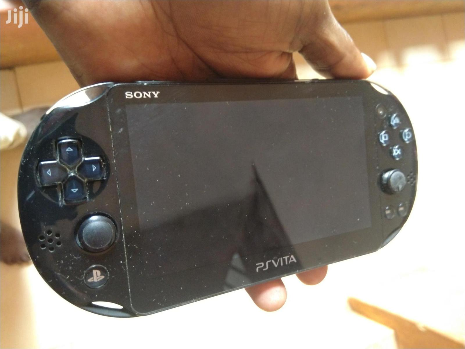 Archive: Slim PS Vita Chipped