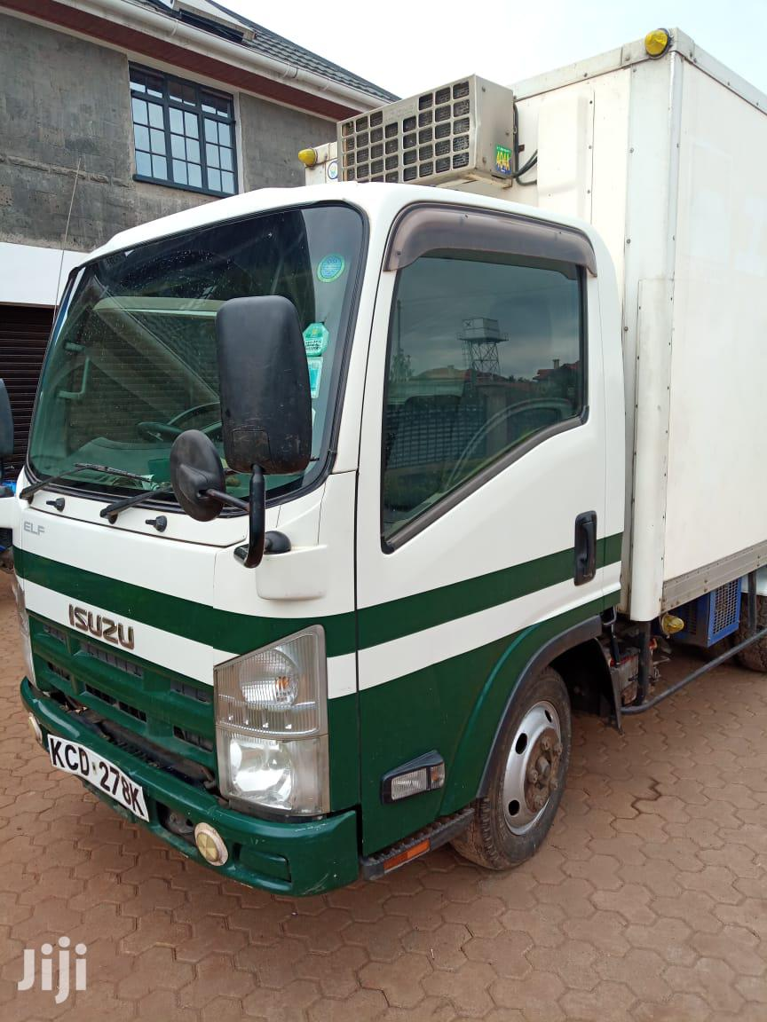 Archive: Isuzu Elf Truck Clean 2009