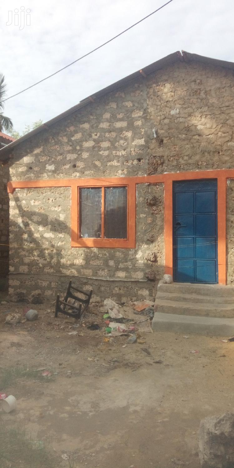 A Three Bedroom House With a Shop for Sell in Majaoni