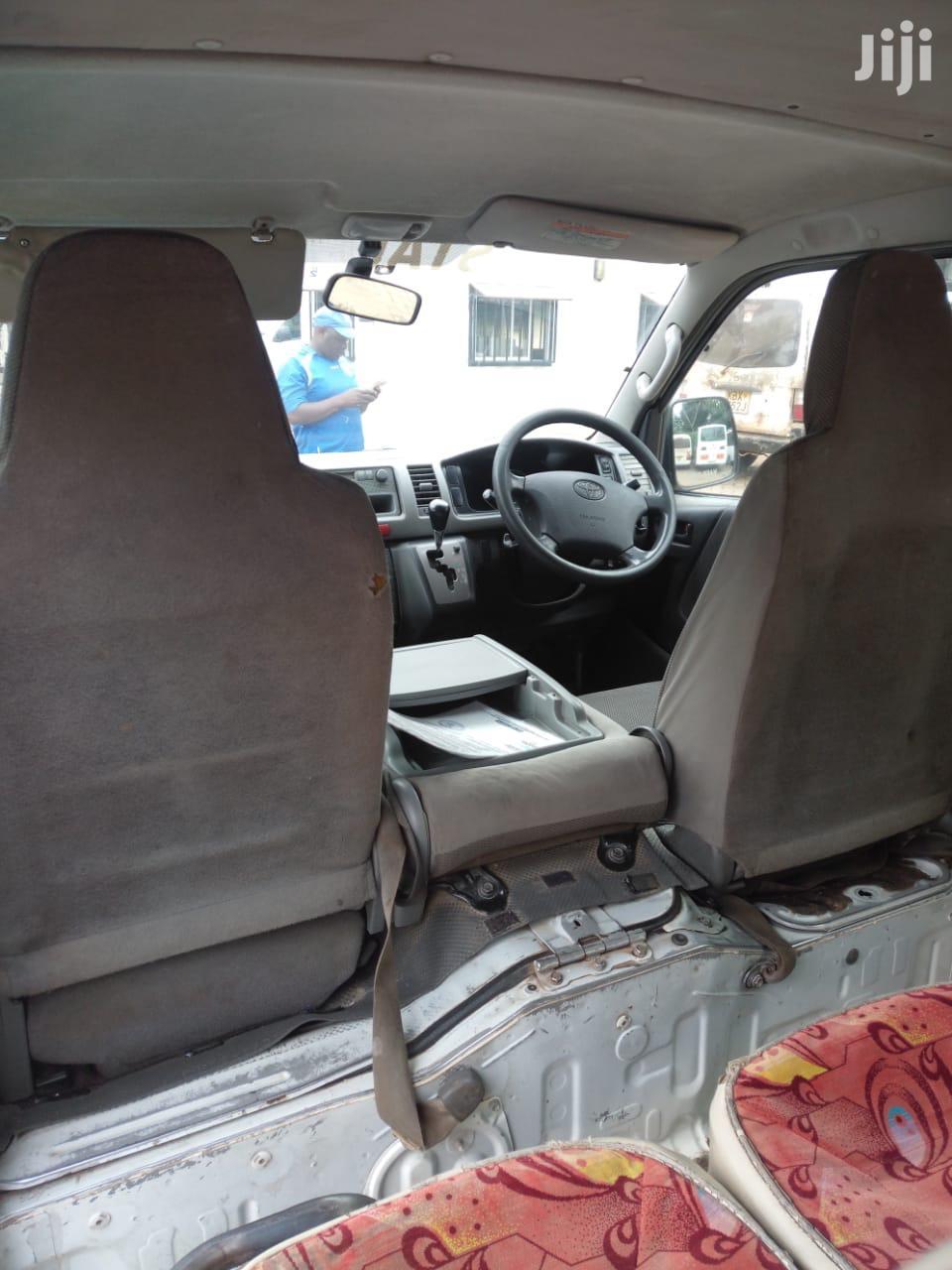 Archive: Toyota HIACE Auto Petrol 7L Private
