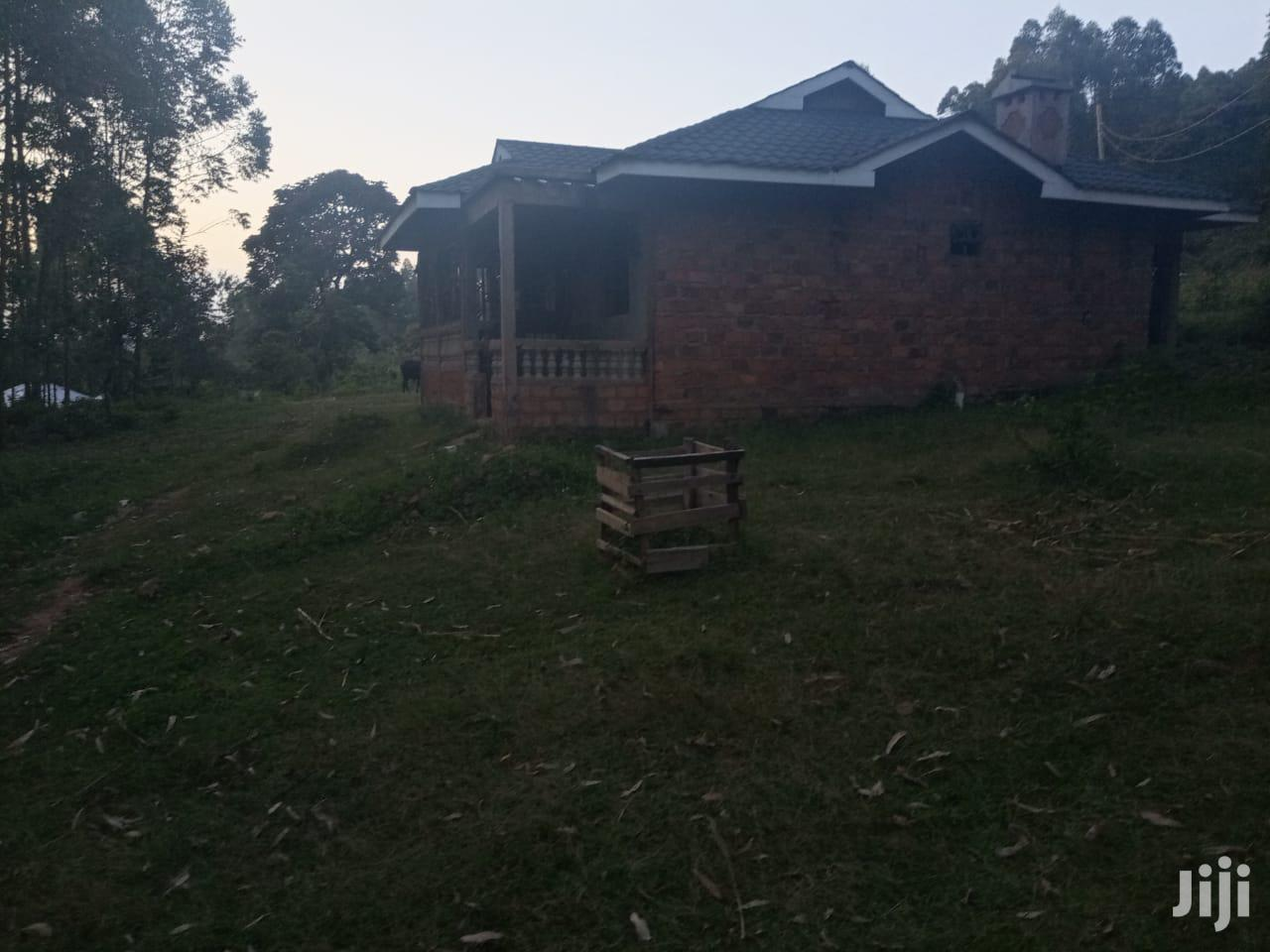 3 Bedroom Sitting on a 100 by 100 Plot