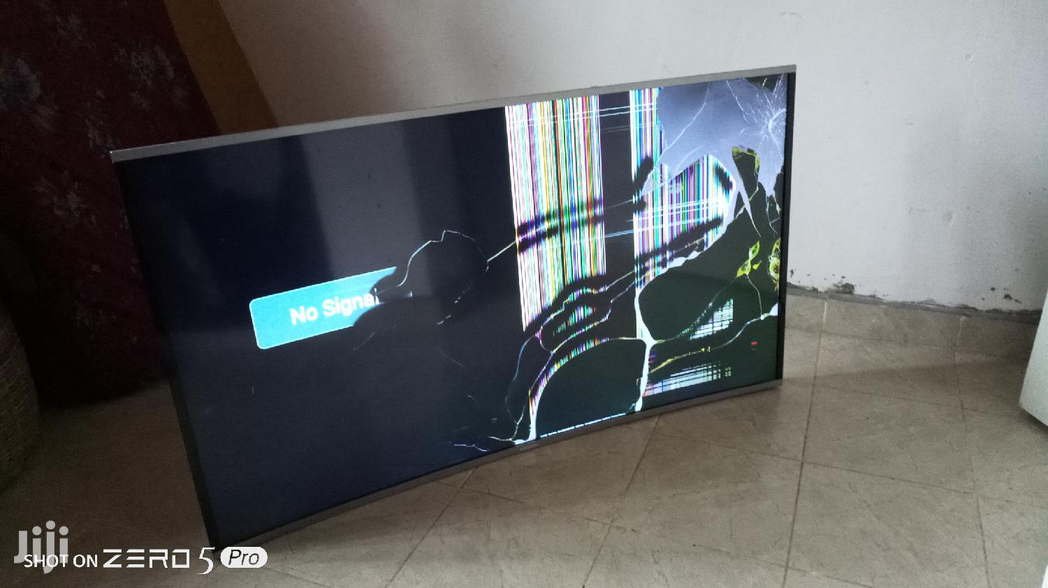 "Cracked Screen Bruhm 55"" Inch Curved TV 