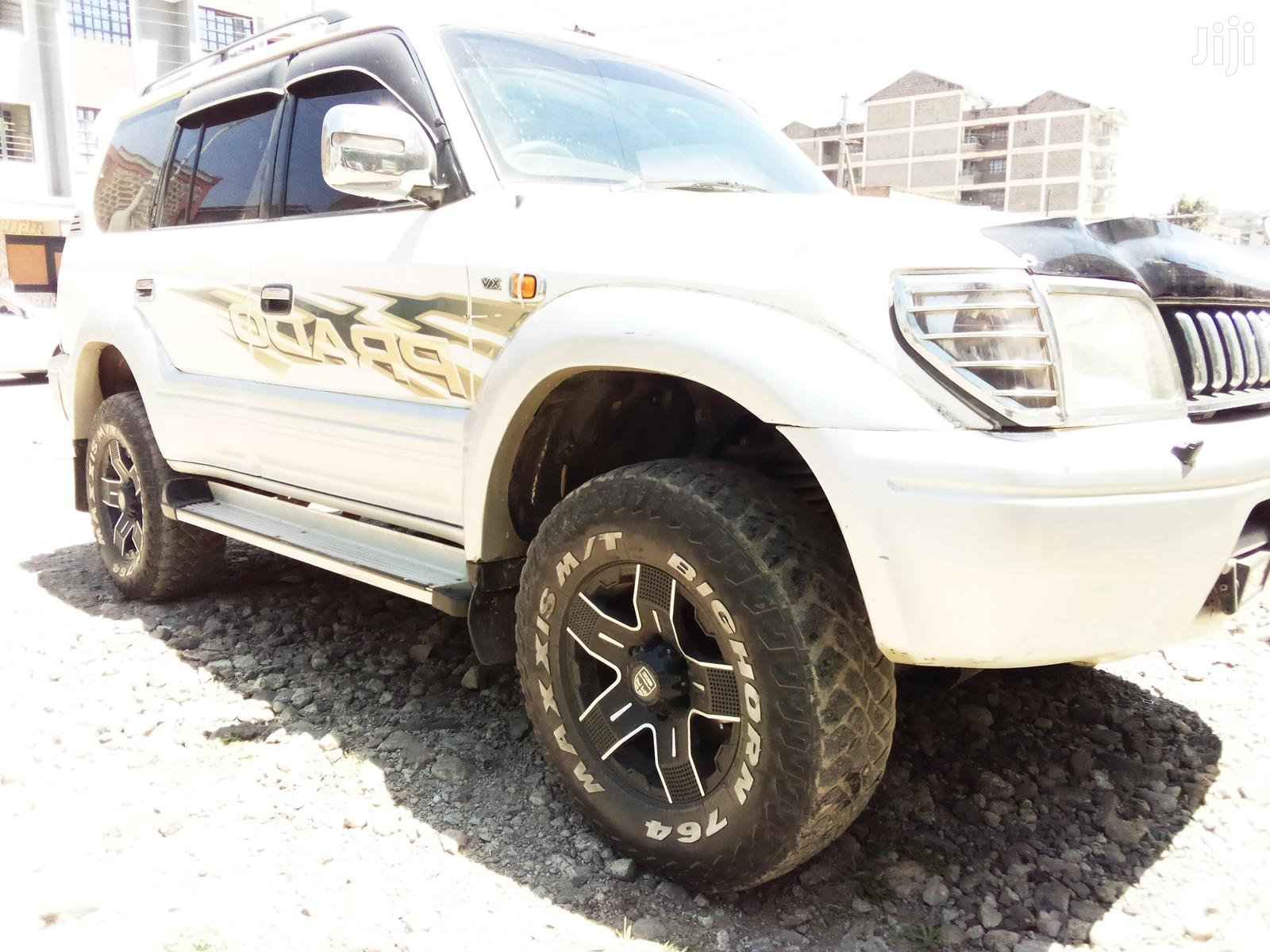 Toyota Land Cruiser Prado 1998 White