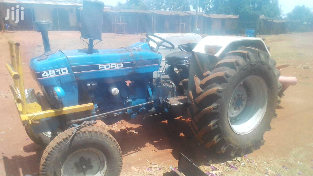Tractor Ford 4610 1986