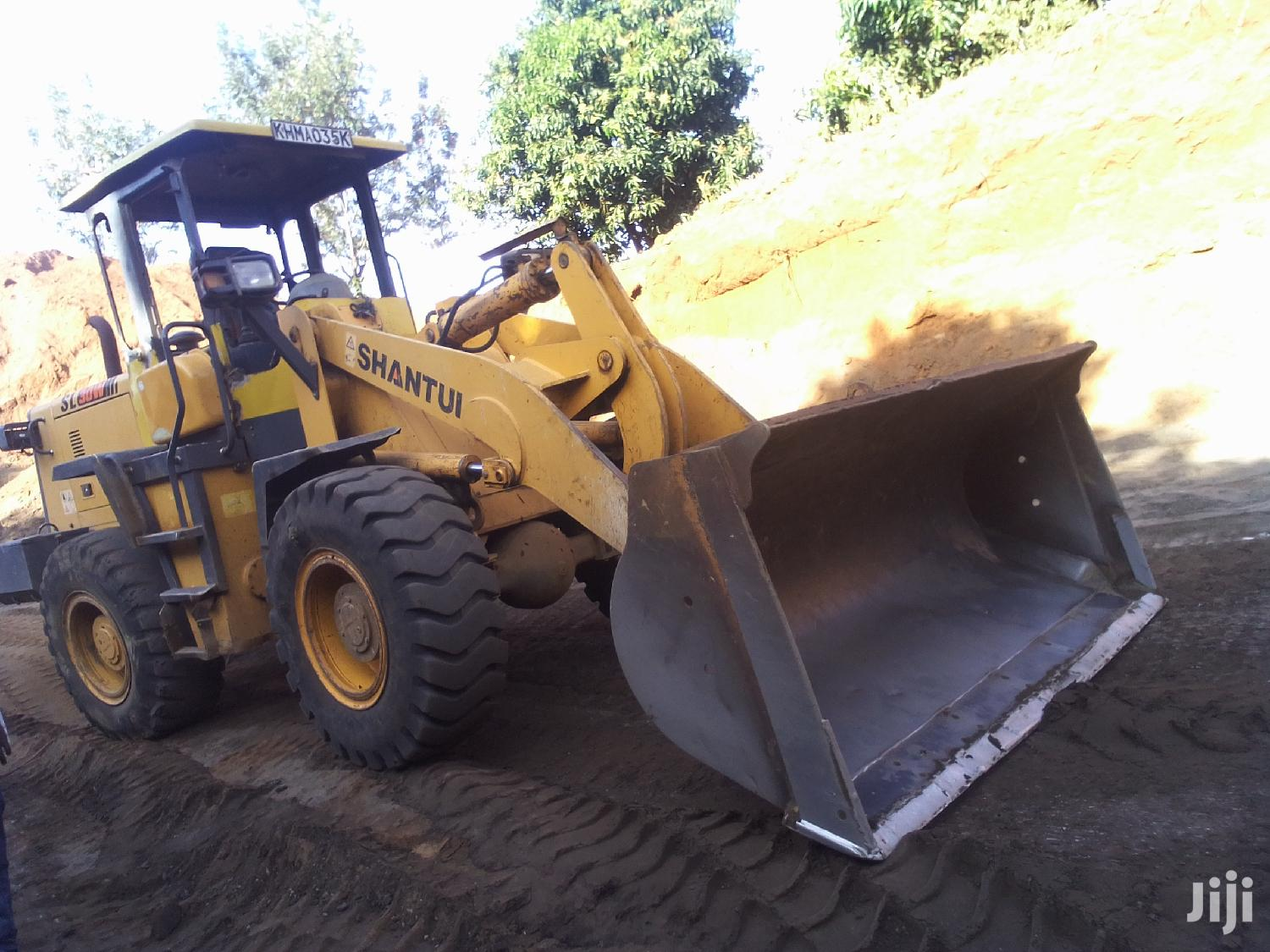 Shovels 3tonnes 2016 Yellow for Sale | Heavy Equipment for sale in Rongai, Nakuru, Kenya
