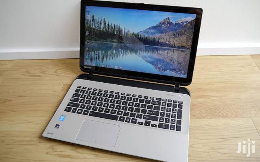 Laptop Toshiba Satellite L450D 4GB Intel Core I5 HDD 320GB