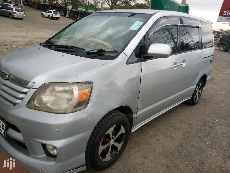Toyota Noah 2007 Silver