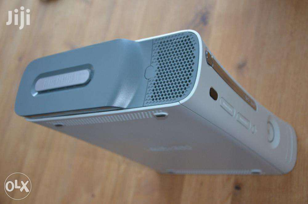 Xbox 360 Machine And 15 Games Chipped 250gb