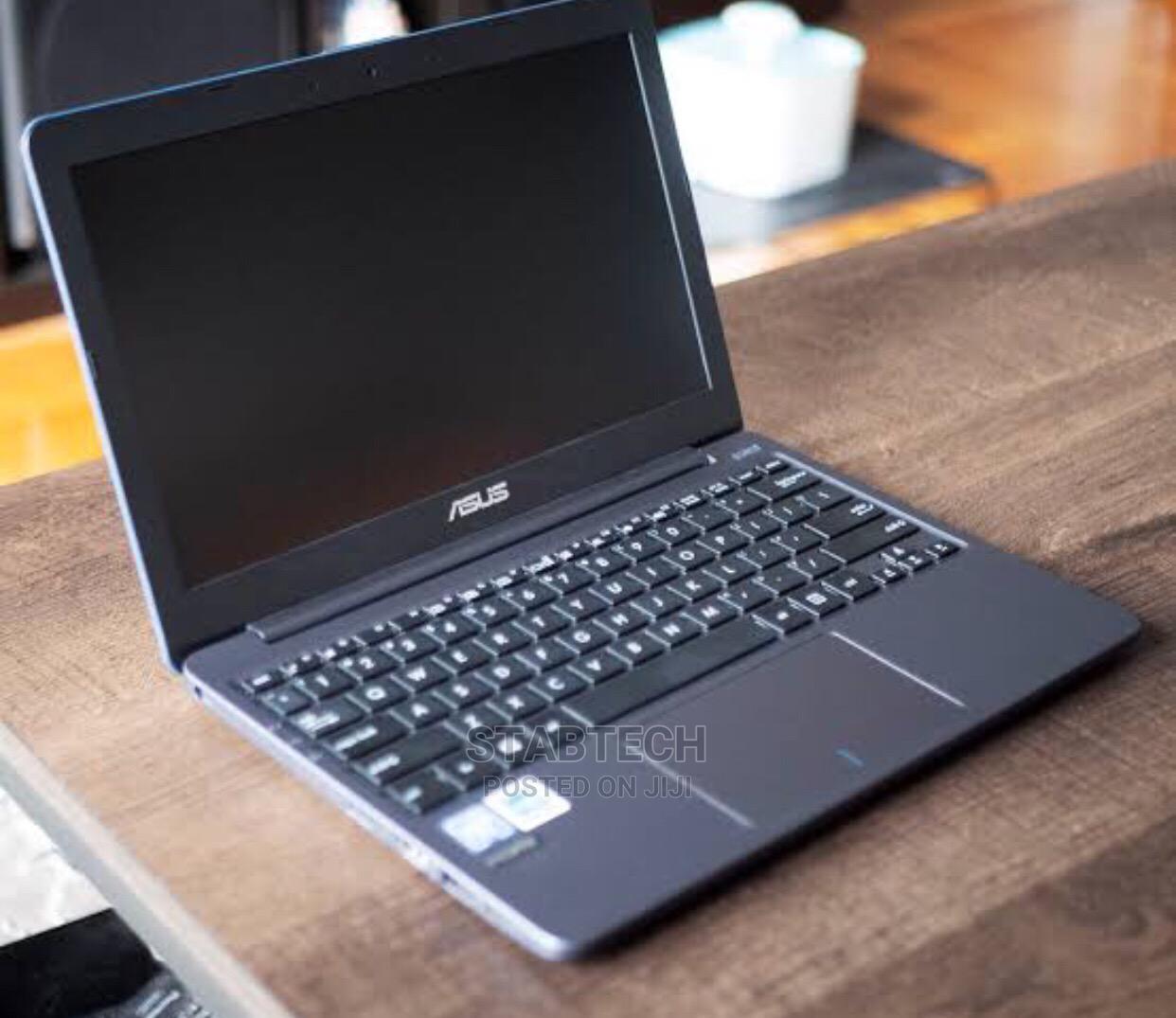 Laptop Asus A52JE 4GB Intel Core i5 HDD 320GB