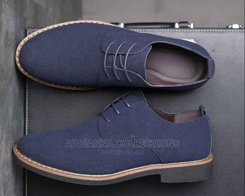 Men Low Cut Shoes