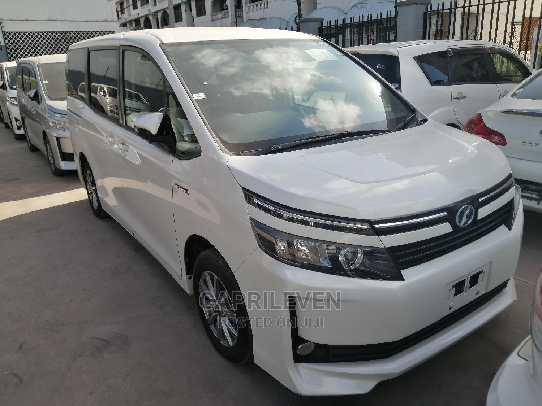 Toyota Voxy 2015 White