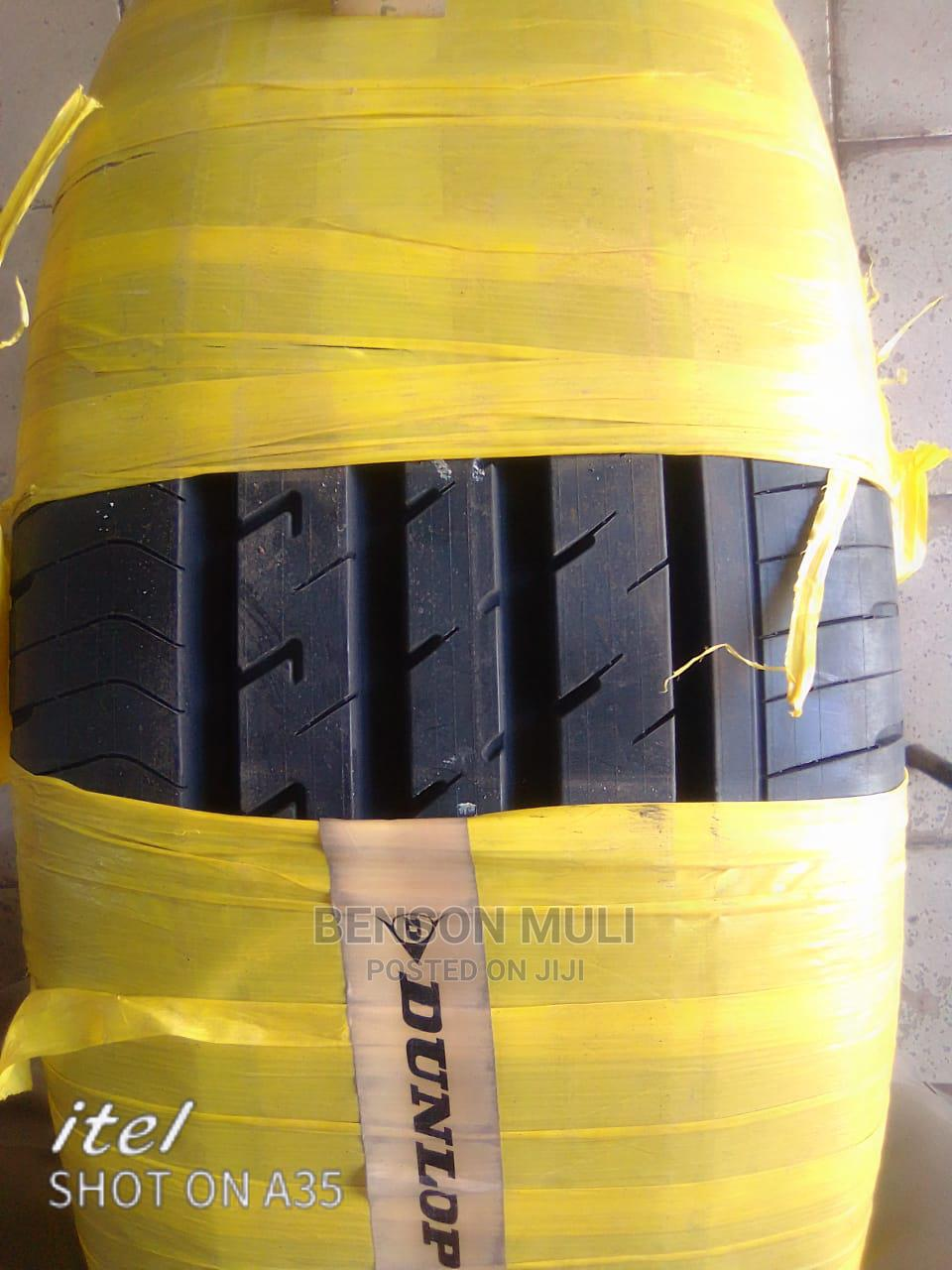 225 /55 R18 Dunlop (Japan).