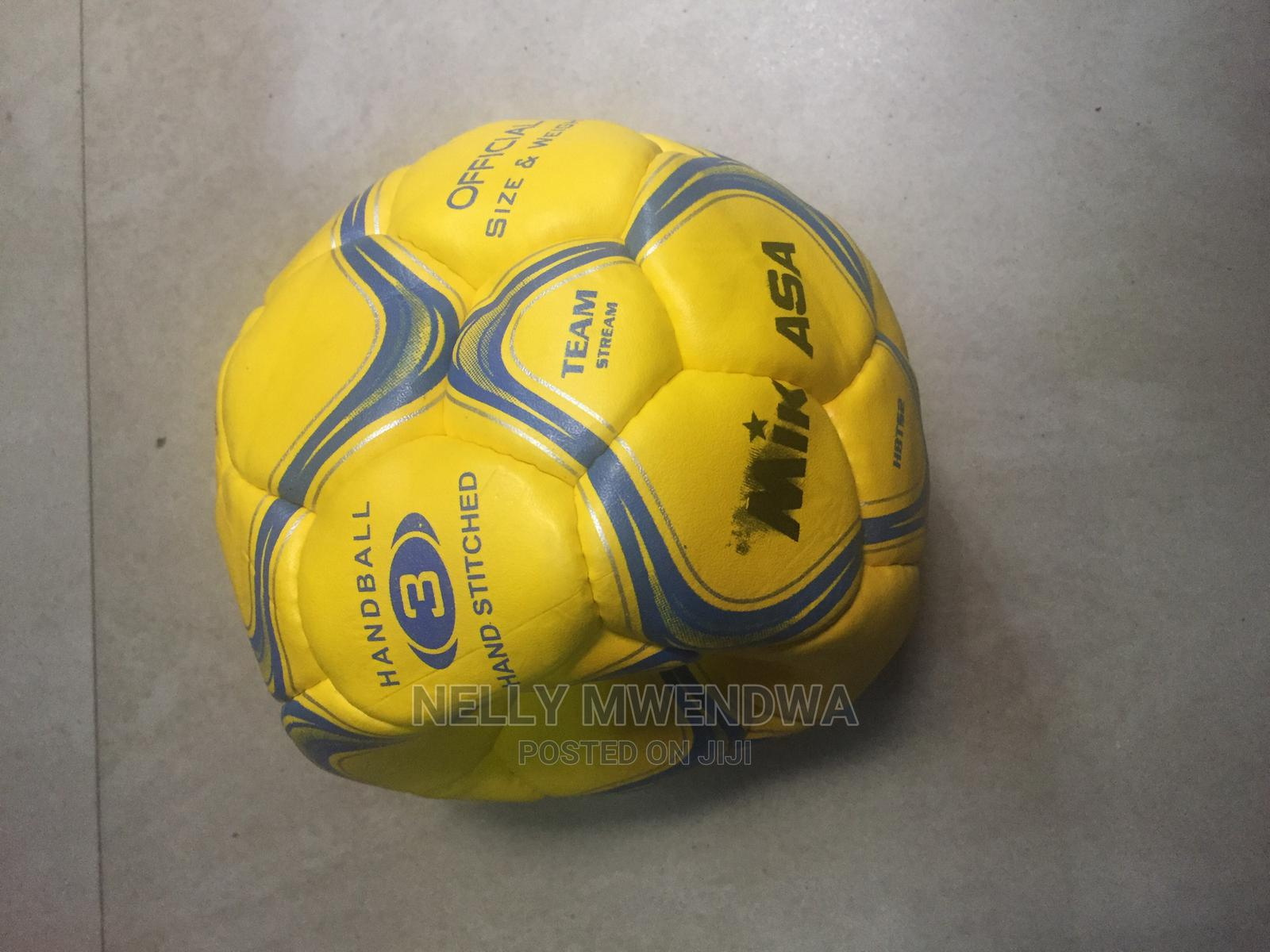 Archive: Handball Balls