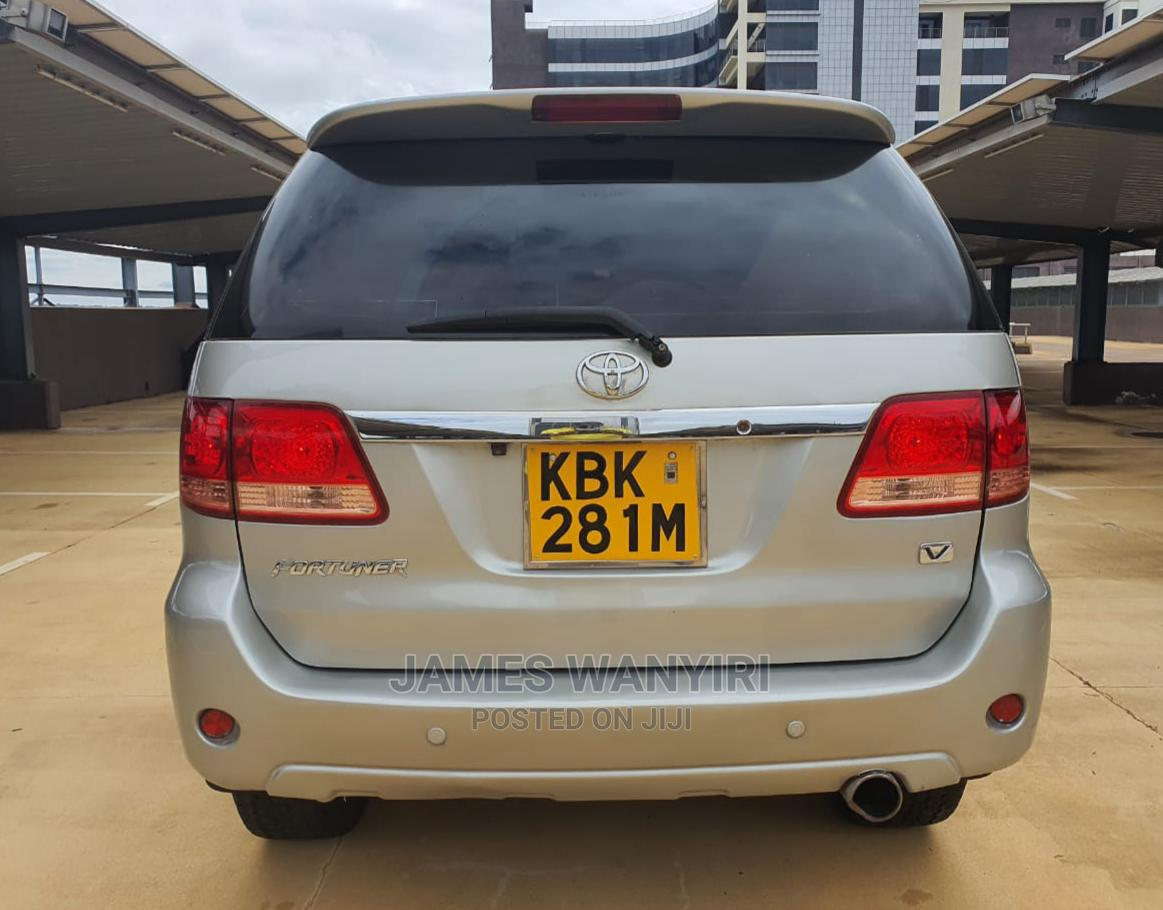 Toyota Fortuner 2005 Silver