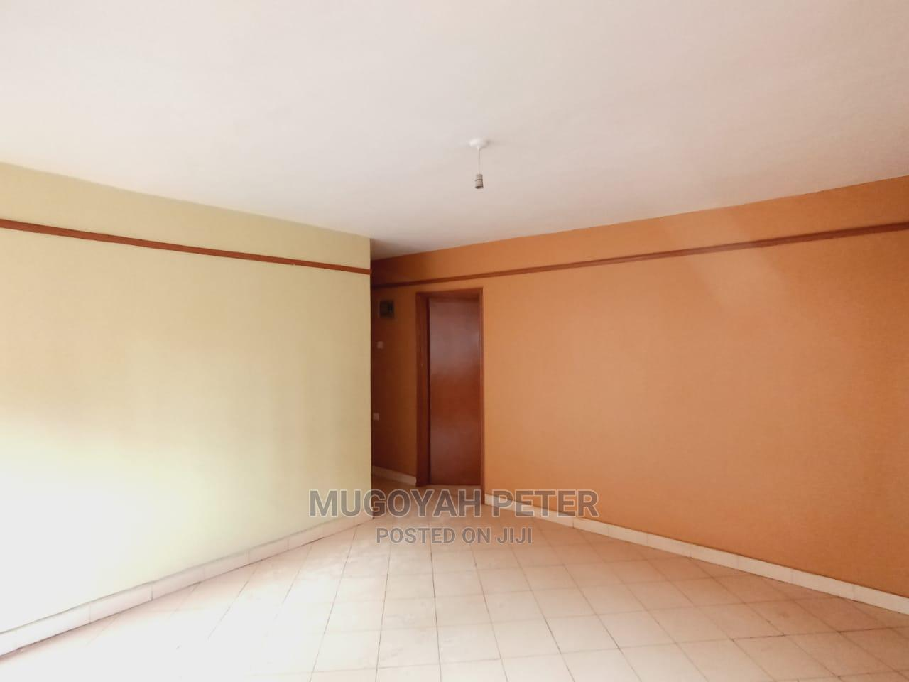 Archive: Very Spacious One Bedroom Apartment