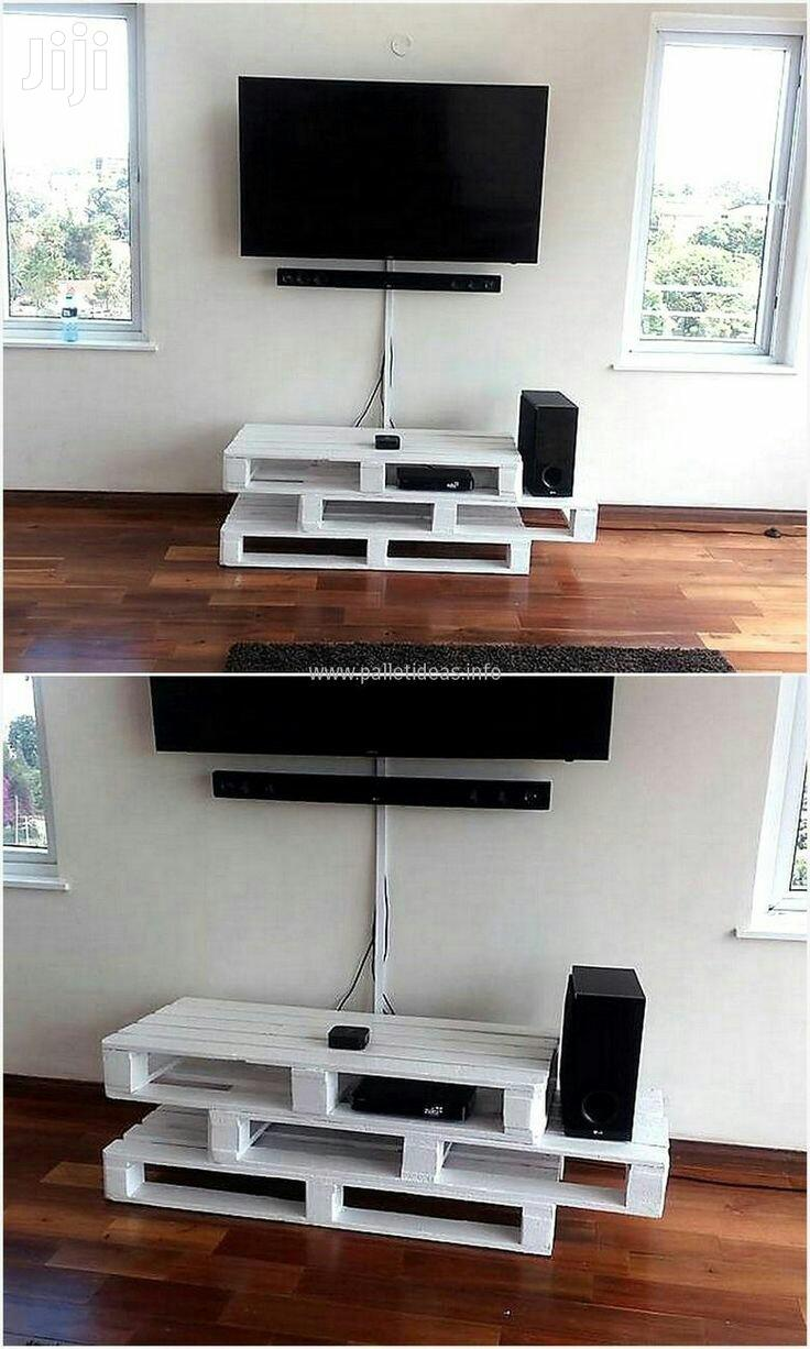 Pallet TV Stand/TV Stand