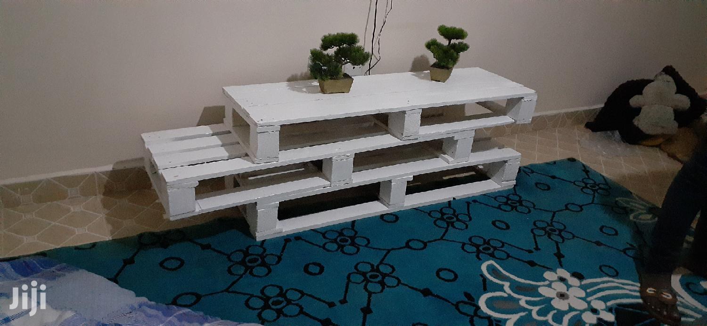 Pallet TV Stand/TV Stand | Furniture for sale in Ziwani/Kariokor, Nairobi, Kenya