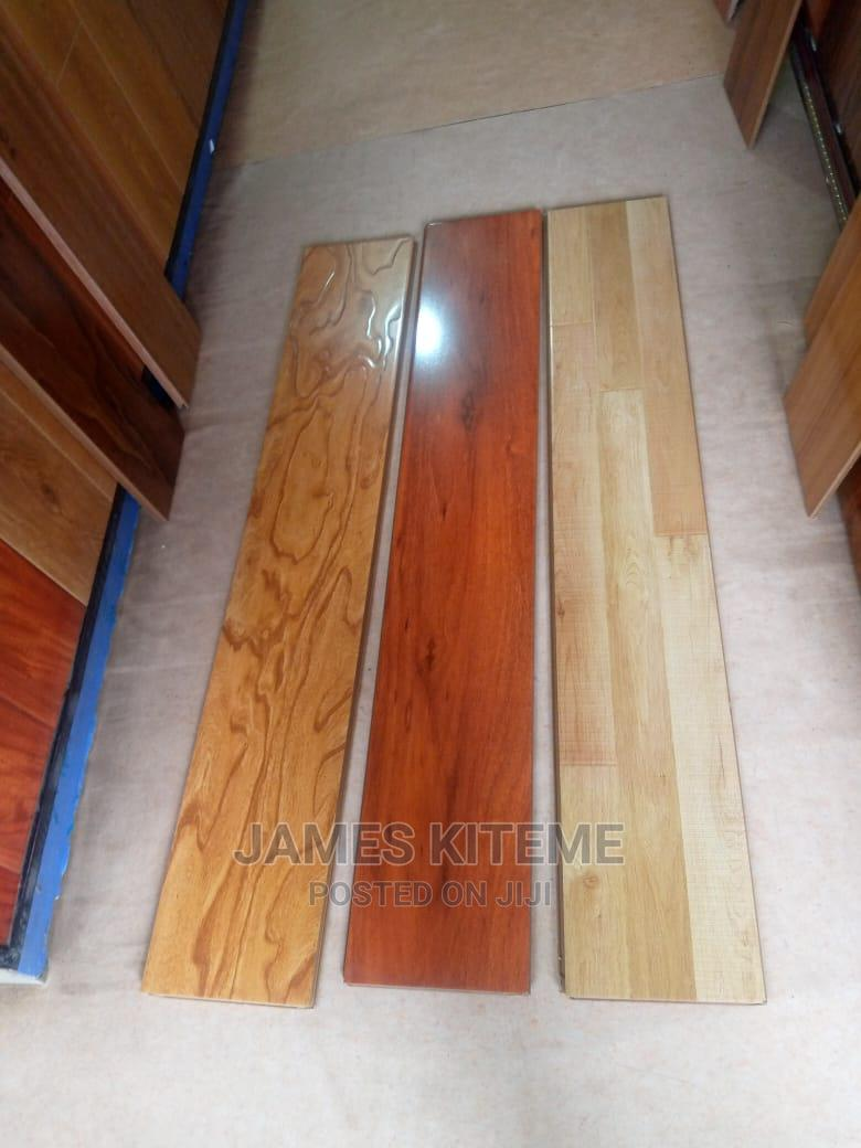 High Density Laminated Wooden Floor Tiles