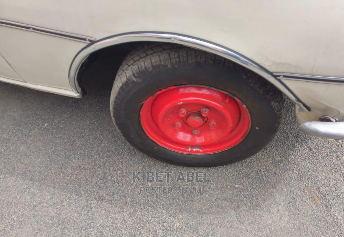 Archive: Peugeot 504 1990 Gray