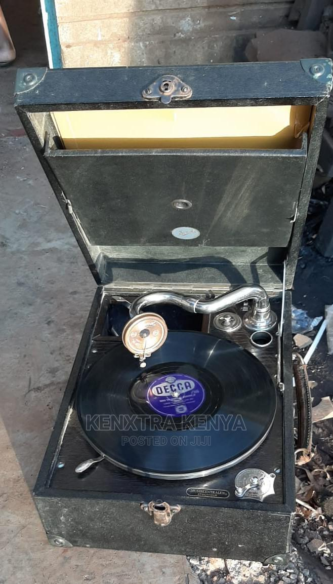 Vintage Antique Wind Up Gramaphone