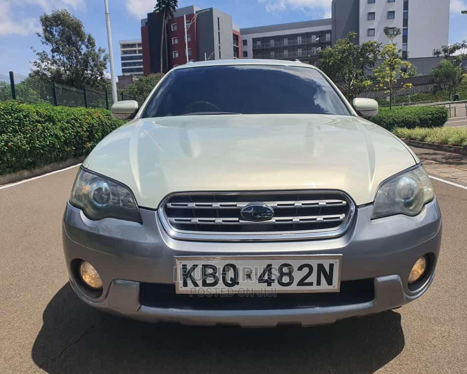 Subaru Outback 2004 Gold
