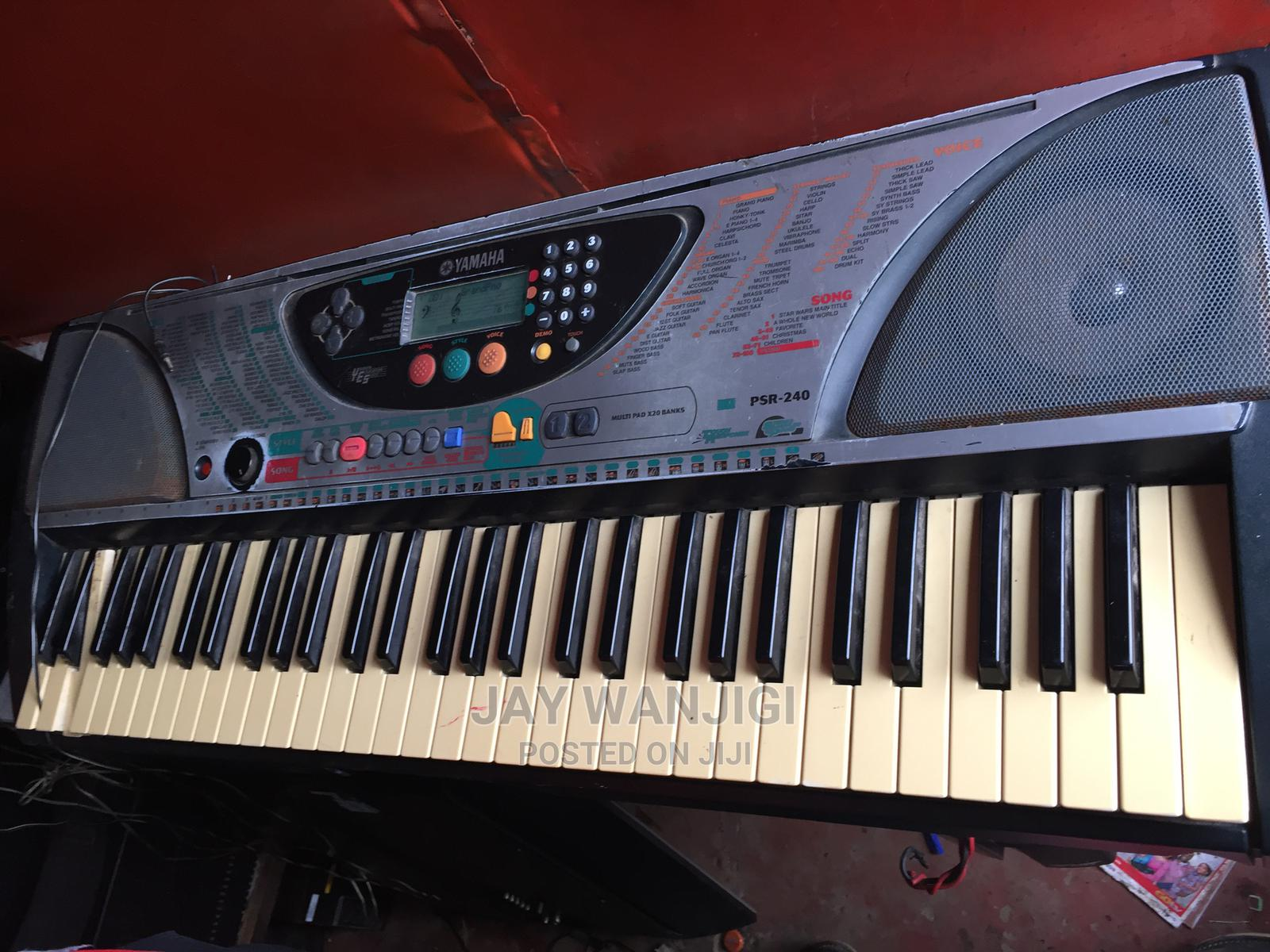 Yamaha PSR-240 61-Key Portable Electronic Keyboard