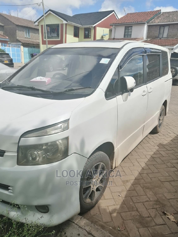 Archive: Toyota Voxy 2008 White