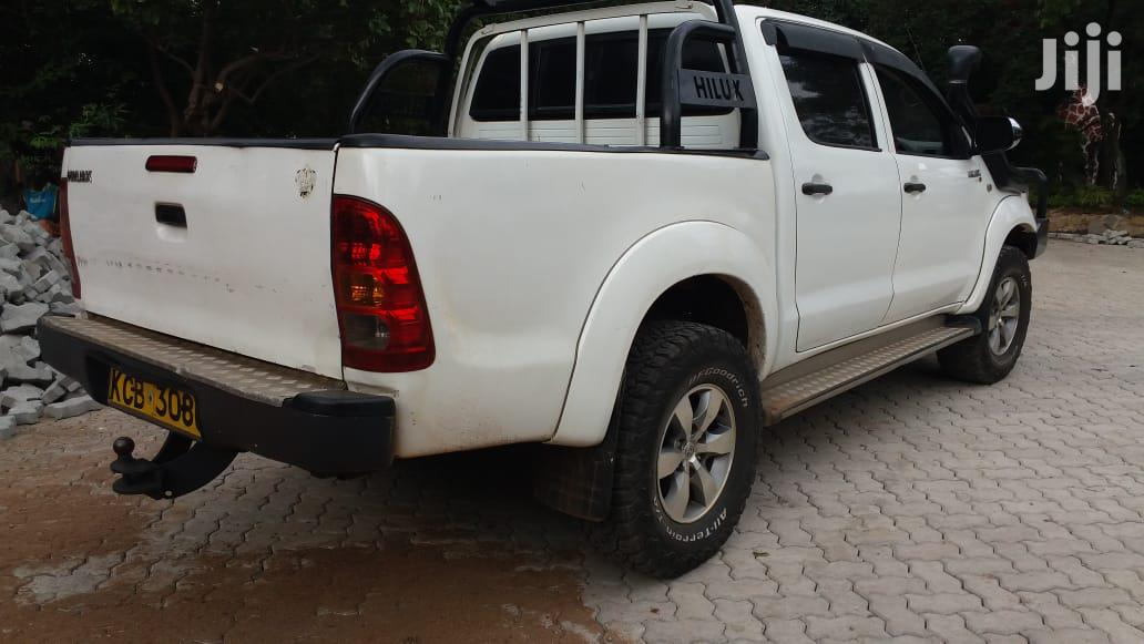 Archive: Toyota Hilux 2008 White