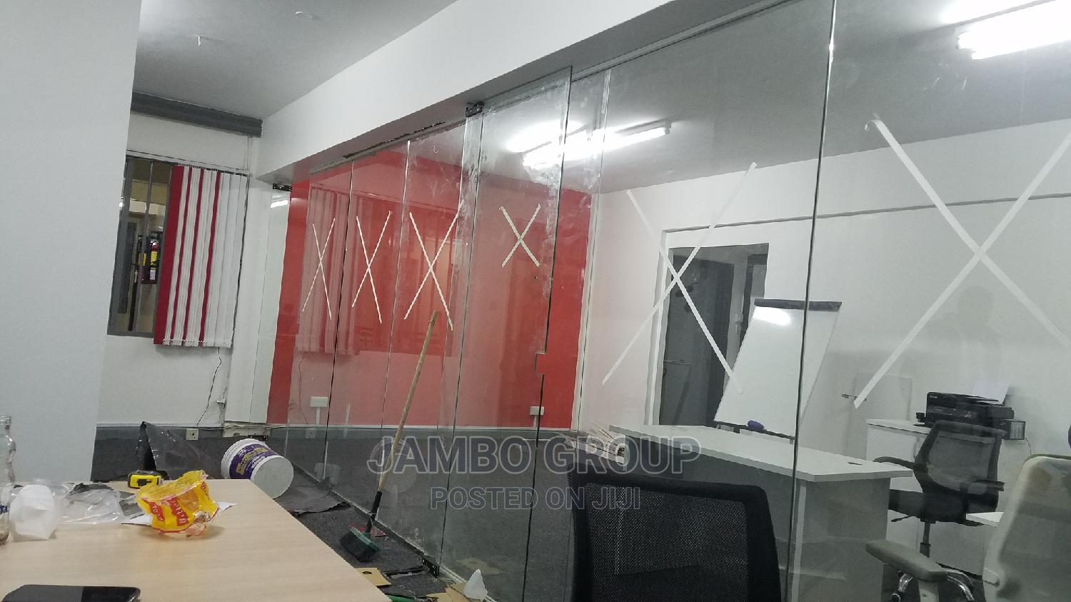 Archive: Frameless Glass Partitions and Office Interiors