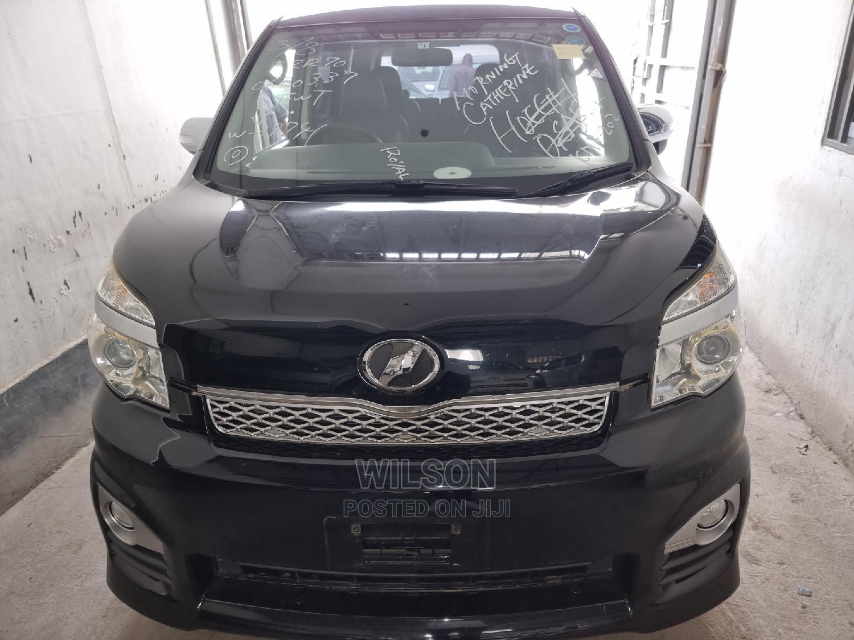 Toyota Voxy 2014 Black