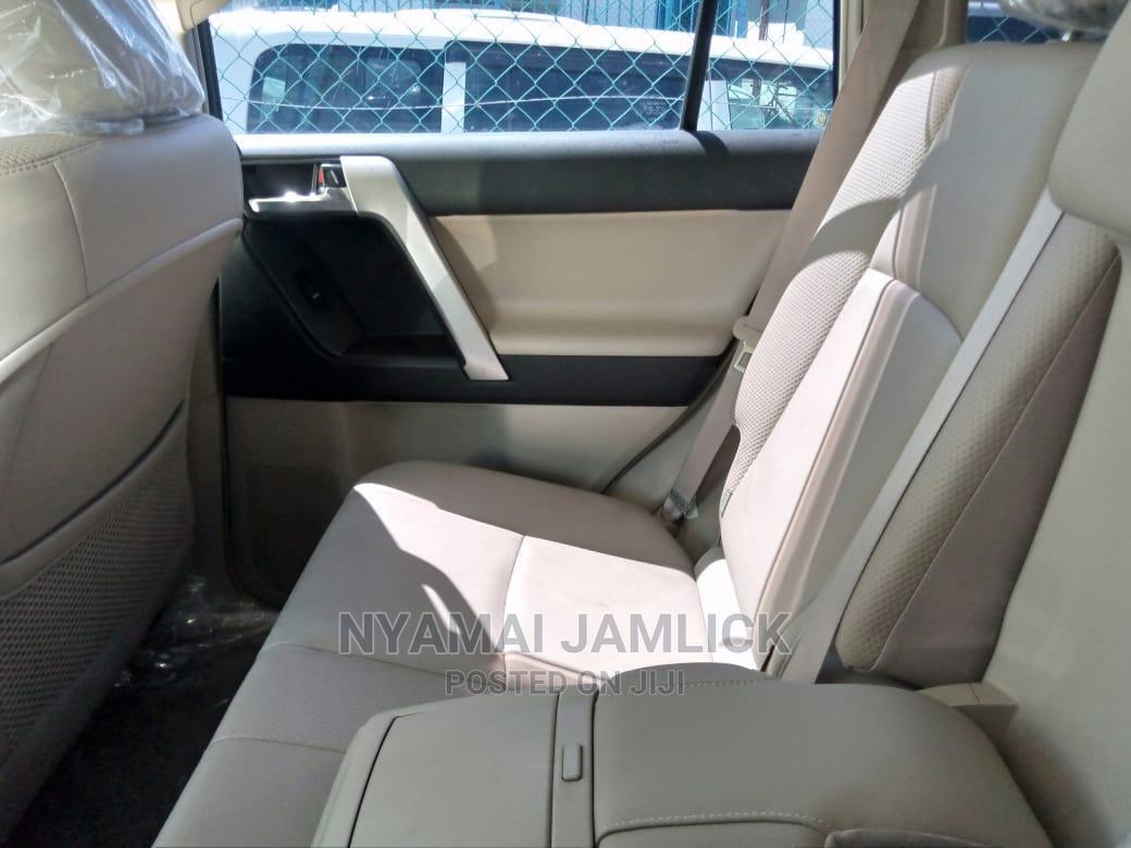 Archive: Toyota Land Cruiser Prado 2013 White