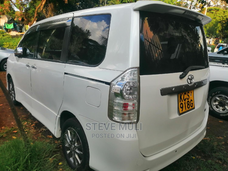 Archive: Toyota Voxy 2012 White