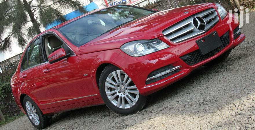 Mercedes-Benz C200 2012 Red