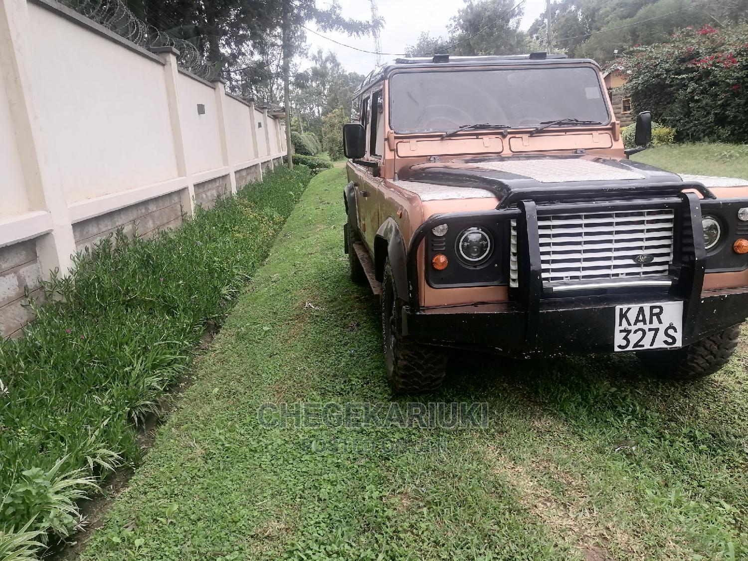Archive: Land Rover Defender 1999 Brown