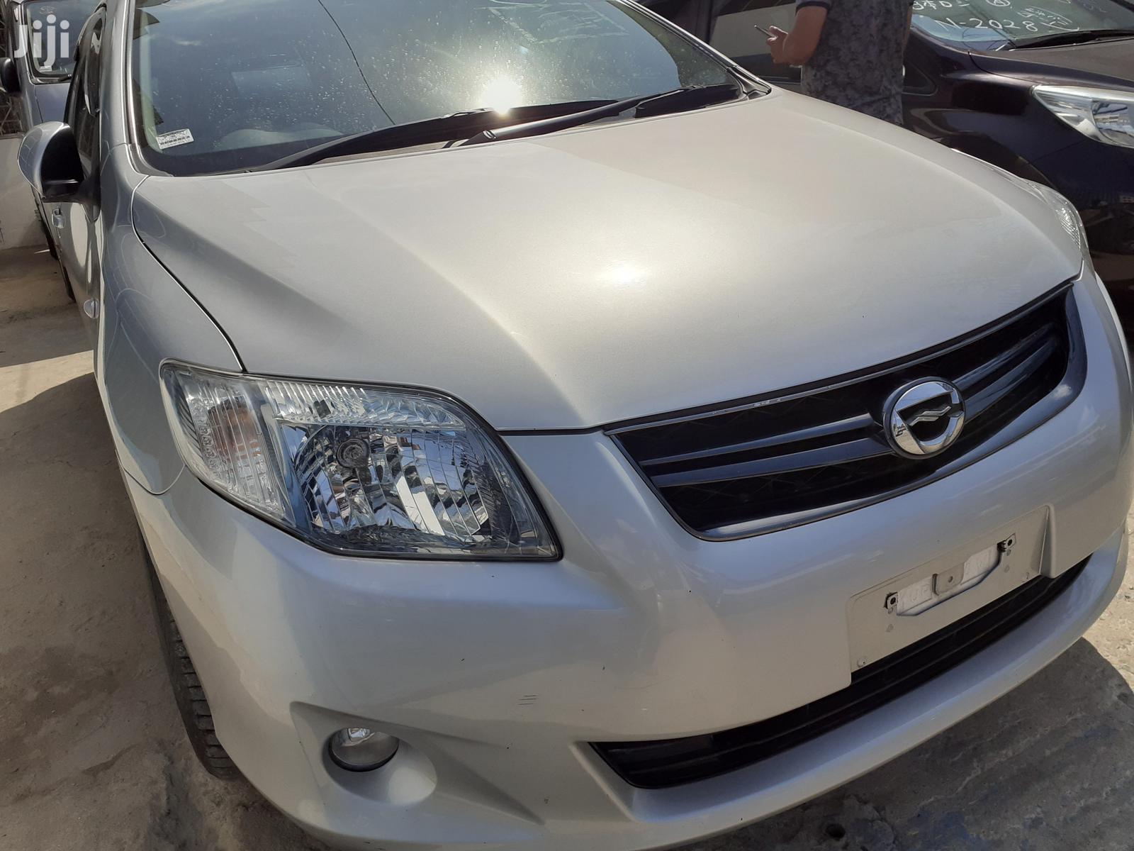 Toyota Corolla 2012 Silver