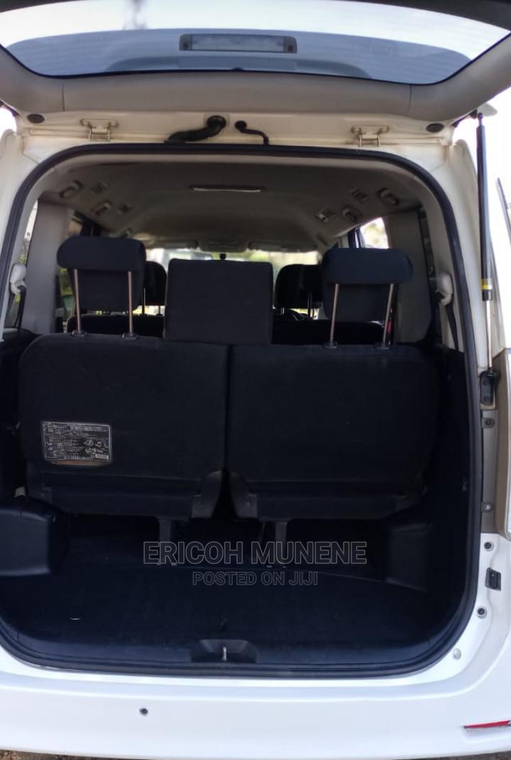 Archive: Toyota Voxy 2011 White