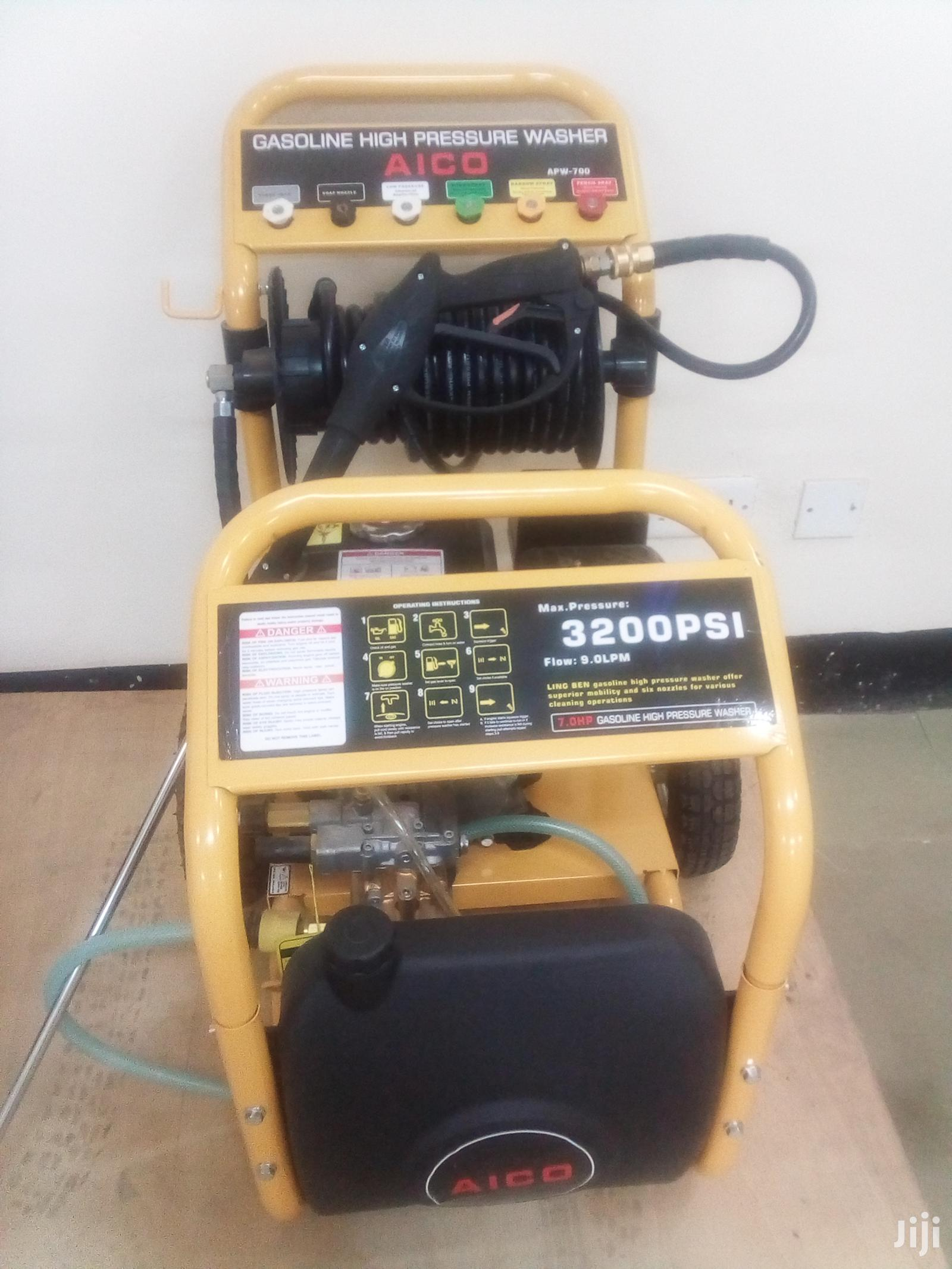 Brand New 3200psi Carwash Machine.