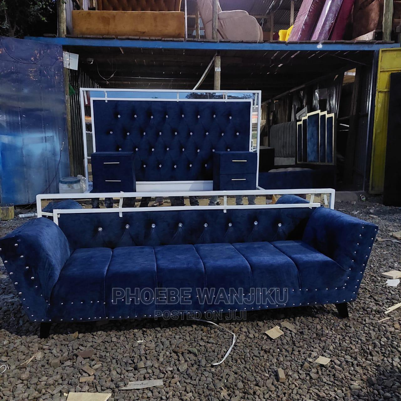 6 by 6 Modern Bed+Chaise Sofa+2 Side Drawers