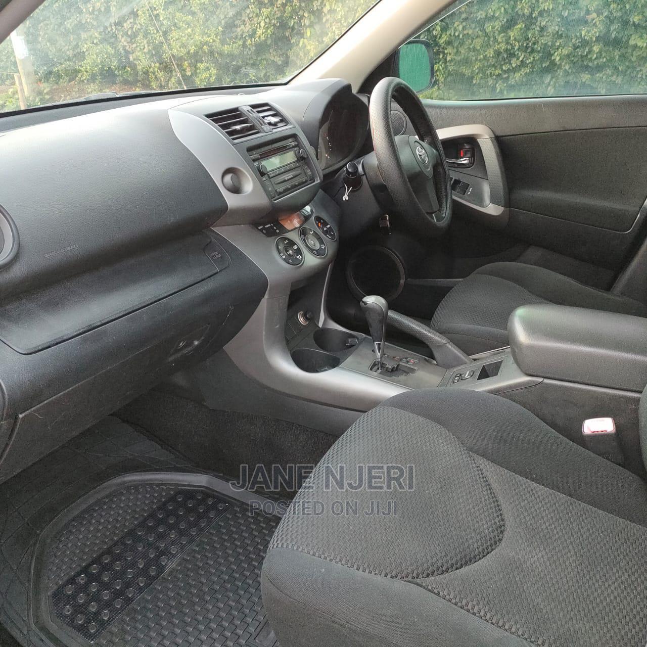 Archive: Toyota RAV4 2009 Sport 4x4 White