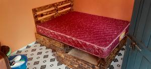 5by6 Rustic Pallet Bed/Pallet Bed | Furniture for sale in Nairobi, Gikomba/Kamukunji
