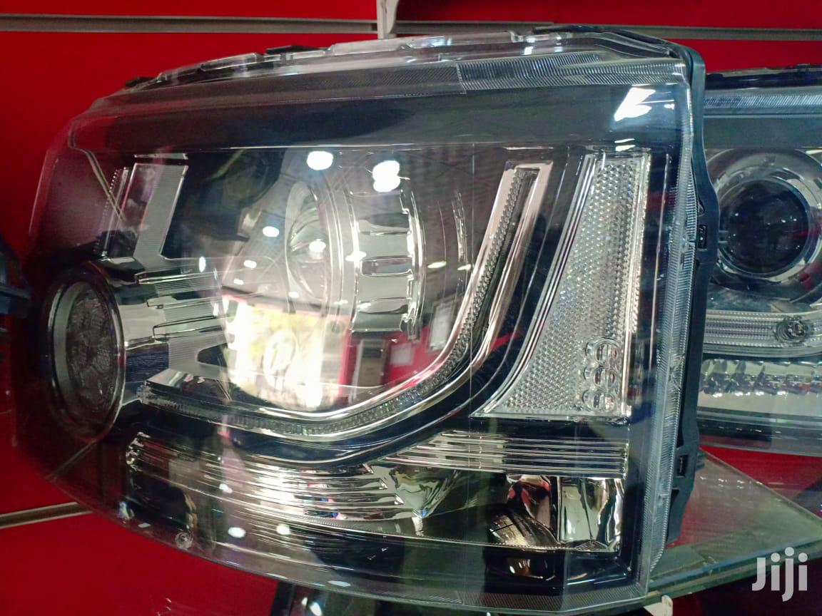 Land Rover Discovery 4 2015 Headlights