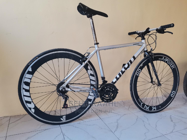 Make 700 Road Bike