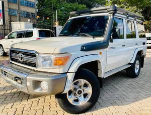 Toyota Land Cruiser 2014 White   Cars for sale in Nairobi, Parklands/Highridge