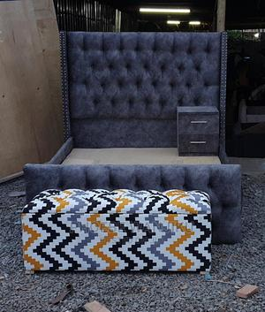 5 by 6 Modern Bed+Ottoman+1 Side Drawer | Furniture for sale in Nairobi, Kahawa