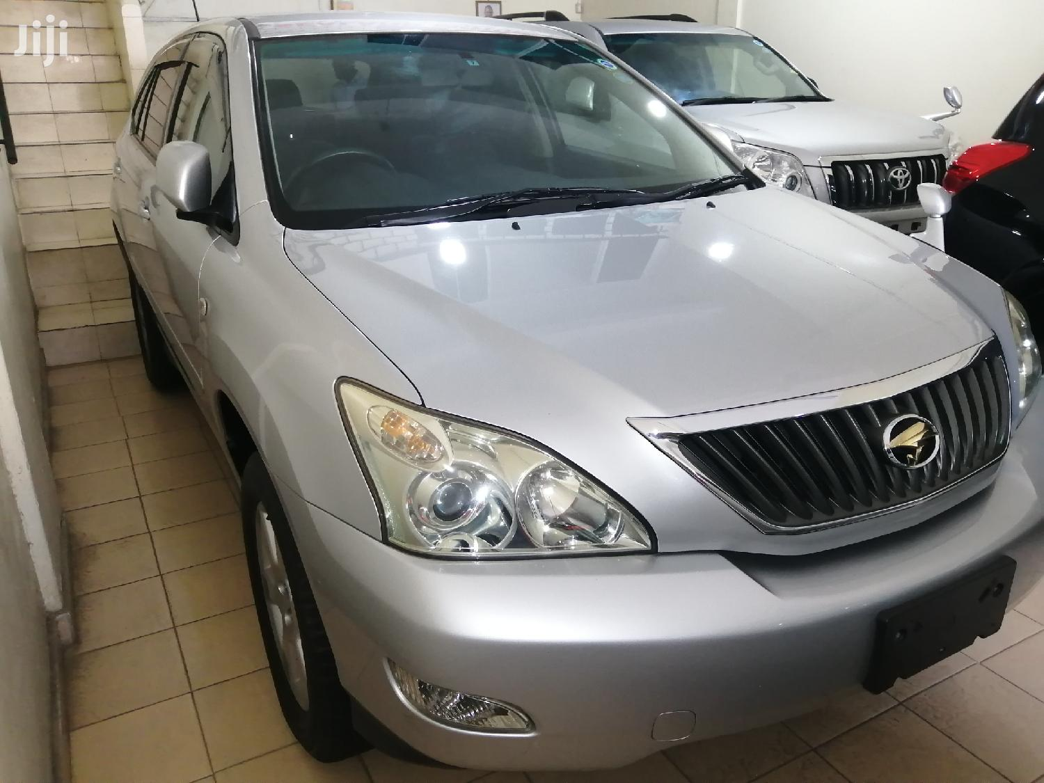 Archive: Toyota Harrier 2012 Silver