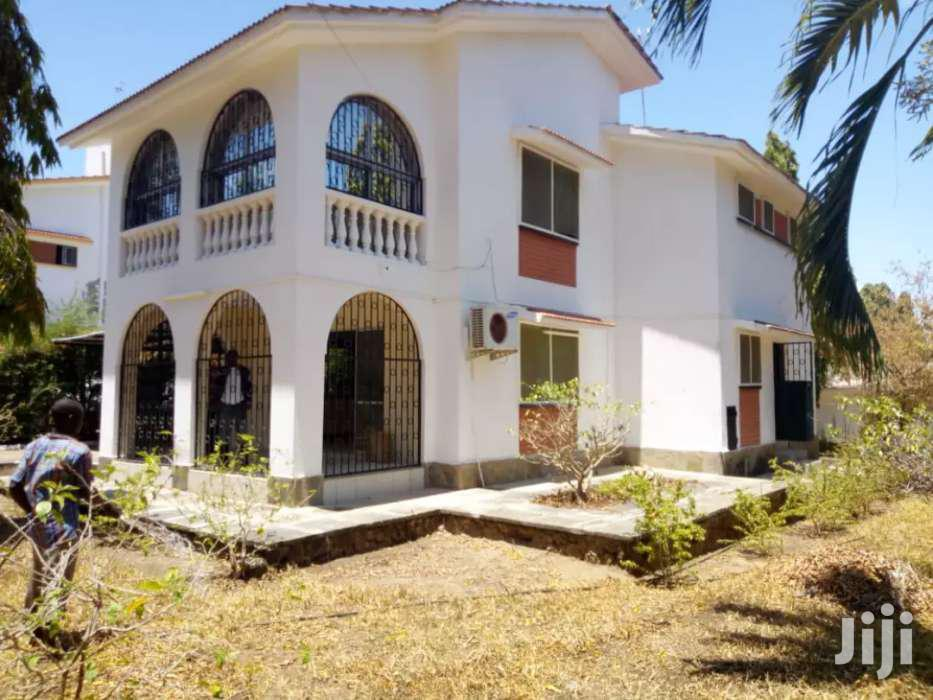 NYALI- 4 BEDROOM HOUSE OWN COMPOUND FOR SALE Sitted On 1/4 ACRE LAND | Houses & Apartments For Sale for sale in Nyali, Mombasa, Kenya