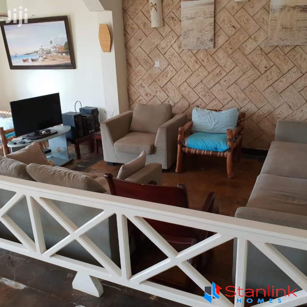 Six-bedroom Beachfront Vacation Rental, Vipingo Beach | Short Let for sale in Kisauni, Mombasa, Kenya